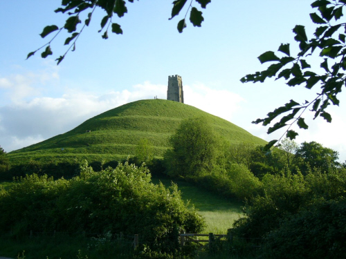 Web_Picture_Glastonbury_Tor.jpg